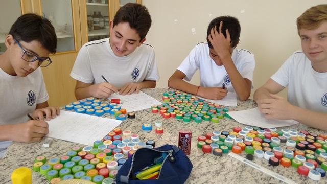 Você está vendo imagens do artigo: Brincando e Aprendendo
